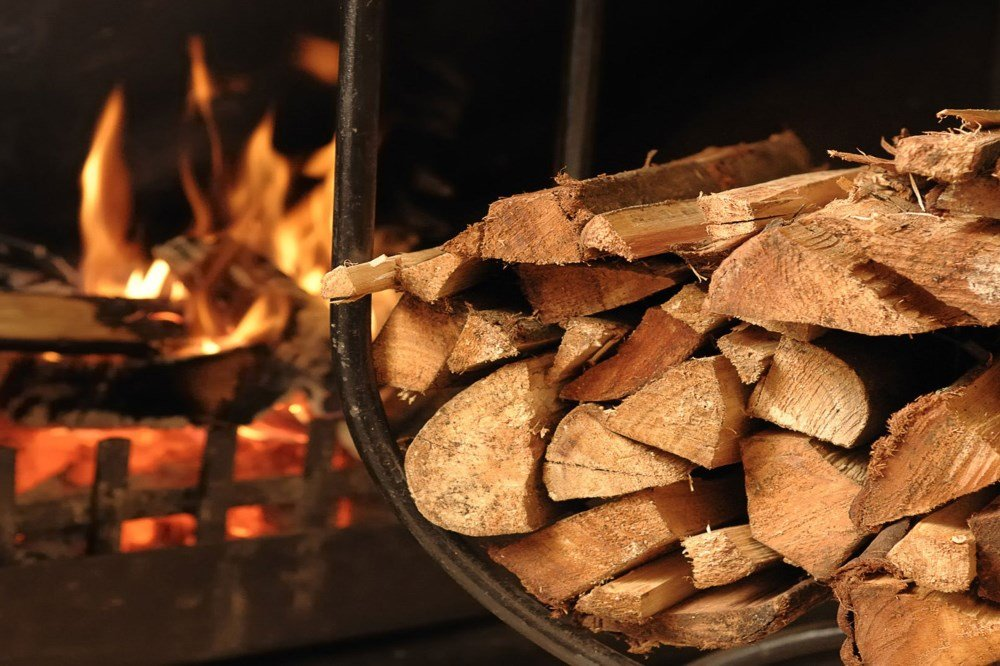 Firewood, combustion quality and performance